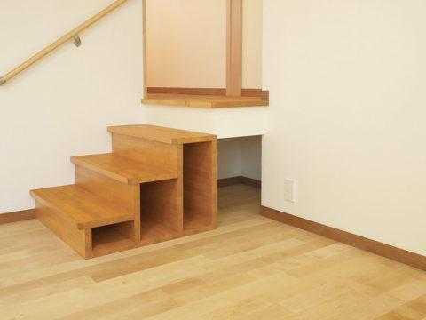 22、収納もできる階段